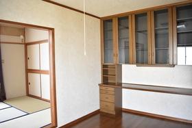 https://image.rentersnet.jp/e2eb5624-9544-4f81-9739-2a57e0457d56_property_picture_953_large.jpg_cap_居室