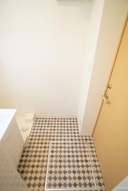 https://image.rentersnet.jp/e33da7fd-3129-405d-9b7c-aac7bb20b133_property_picture_3276_large.jpg_cap_洗面所