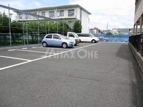 アムール栞駐車場