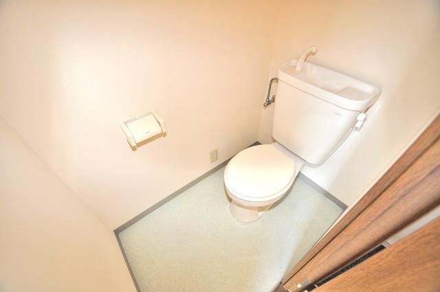 OKハイツ神路 清潔感のある爽やかなトイレ。誰もがリラックスできる空間です。