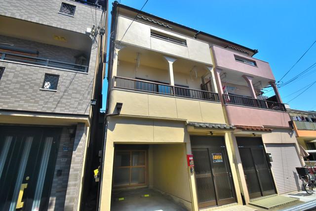 柏田東町2-37貸家 おしゃれできれいな外観は毎日の帰宅が楽しくなりそうです。