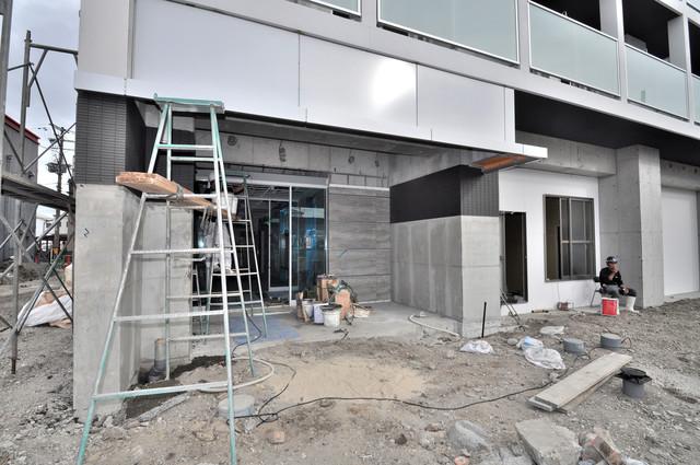 グランマーレ小路駅前 オシャレなエントランスは安心のオートロック完備です。