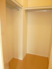 ブラリアハウス 202号室