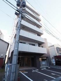 https://image.rentersnet.jp/e5d83bad-ea9e-4cfe-b654-6b3e59bd4a92_property_picture_1992_large.jpg_cap_外観