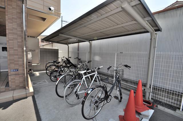 ベルビア八戸ノ里 敷地内には専用の駐輪スペースもあります。