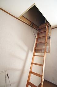 ラ・ベルヴィ 202号室