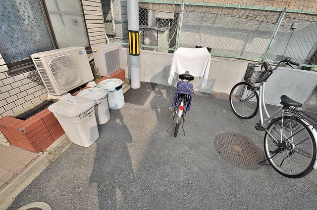 ムーンシングルエイト あなたの大事な自転車も安心してとめることができますね。