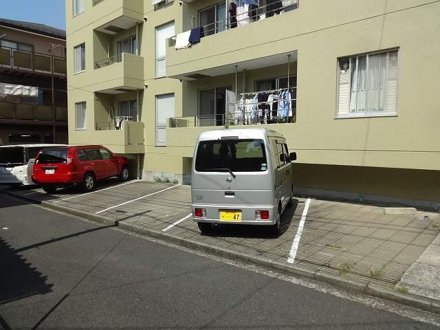 ボンエルフ駐車場