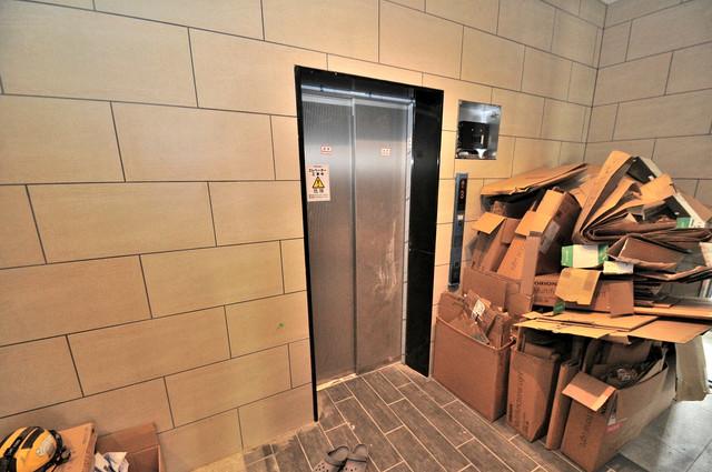 ララプレイス玉造パルク エレベーター付き。これで重たい荷物があっても安心ですね。