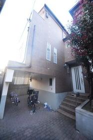 桜丘3丁目貸家の外観