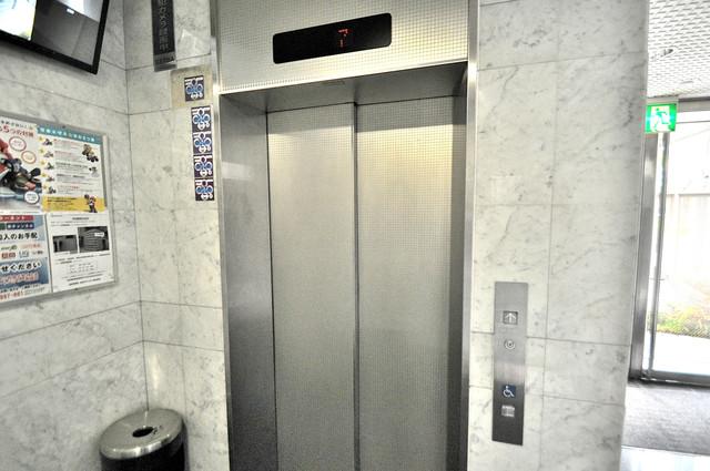 ヴィラサンシャイン エレベーター付き。これで重たい荷物があっても安心ですね。