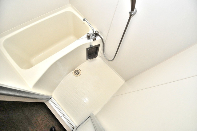 ブルーメンハウス ちょうどいいサイズのお風呂です。お掃除も楽にできますよ。