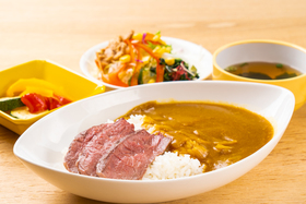 https://image.rentersnet.jp/e6fa11d7-c1b9-4a0d-bf0a-fd9d6eccd85f_property_picture_956_large.jpg_cap_食堂の夕食(一例)