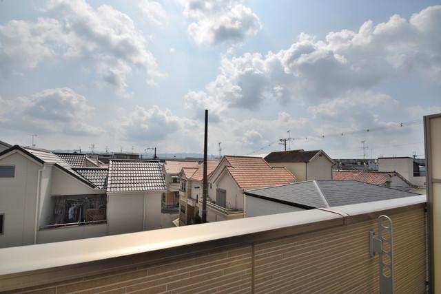 タケハウス5 この見晴らしが陽当たりのイイお部屋を作ってます。