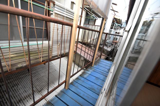 大蓮南2-15-9 貸家 心地よい風が吹くバルコニー。洗濯物もよく乾きそうです。