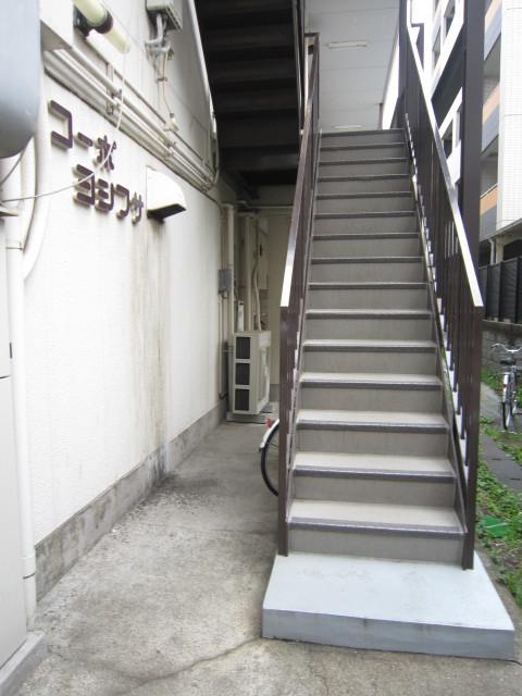 武蔵小杉駅 徒歩9分エントランス