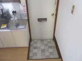 https://image.rentersnet.jp/e828d364-0b44-4483-a342-dc546cc56b95_property_picture_959_large.jpg_cap_玄関