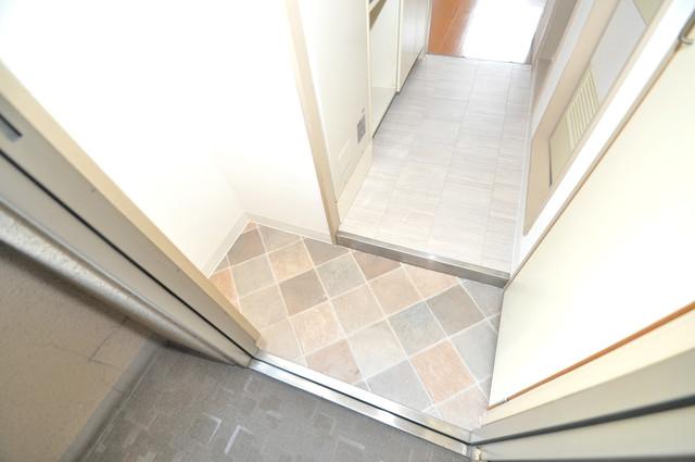 セントラルパーム 玄関を開けると解放感のある空間がひろがりますよ。