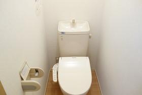 https://image.rentersnet.jp/e83d7312-9d91-4358-93b5-7e316d17d304_property_picture_955_large.jpg_cap_トイレ