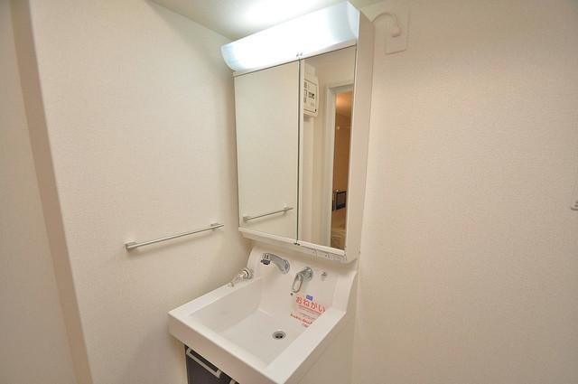 ディオーネ・ジエータ・長堂 人気の独立洗面所はゆったりと余裕のある広さです。