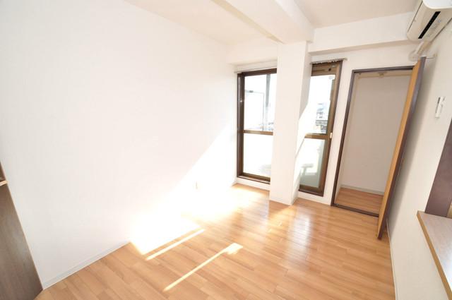 ゴッドフィールド今里 朝には心地よい光が差し込む、このお部屋でお休みください。