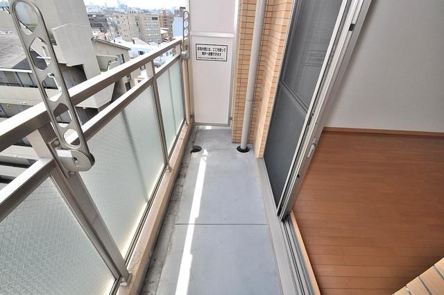 ロータリーマンション長田東 ゆとりのある広さが魅力のバルコニー。