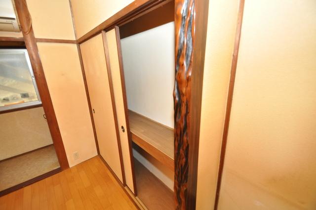 長瀬町1-3-10貸家(高山貸家) 各所に収納があるので、お部屋がすっきり片付きますね。