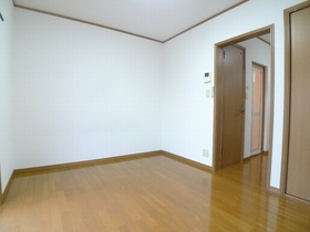 グリーンハイム 201号室