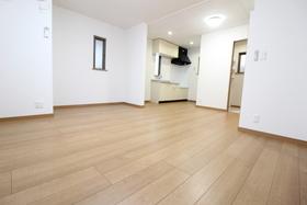 https://image.rentersnet.jp/e8e9eebb-8314-4d6e-bfa9-03f452efe825_property_picture_958_large.jpg_cap_居室