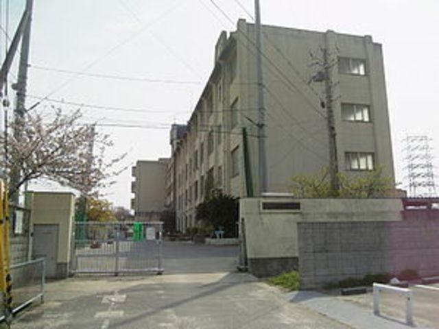 八尾市立亀井中学校