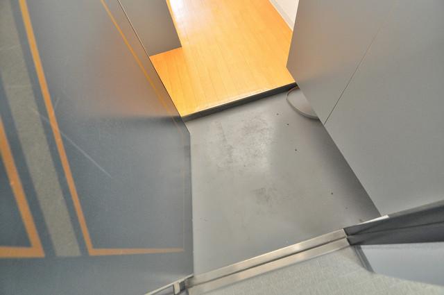 ノーブル布施 お部屋の入口には何も置かず、シンプルが一番ですね。