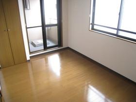 https://image.rentersnet.jp/e992fd01-b5a5-48f5-9b66-a1fc49a0a48f_property_picture_961_large.jpg_cap_居室