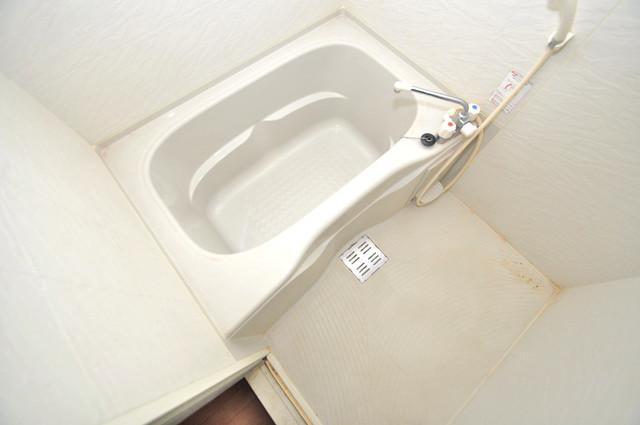 エントピア西堤C 機能的なバスルームはトイレと別々なので、広々としていますよ。