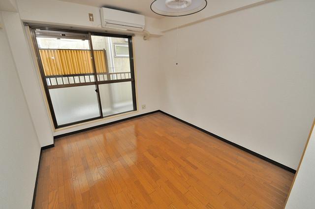 東大阪市小若江3丁目の賃貸マンション 明るいお部屋は風通しも良く、心地よい気分になります。
