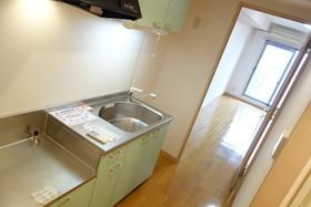 https://image.rentersnet.jp/e9df6ddf-ab11-4748-921c-899165af8c58_property_picture_1992_large.jpg_cap_キッチン