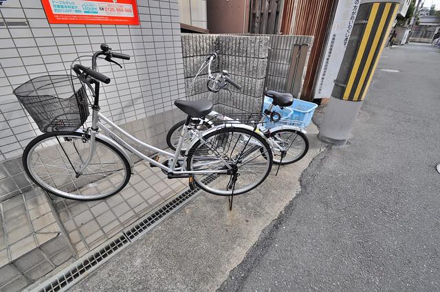 ジョイライフ永和 敷地内には専用の駐輪スペースもあります。