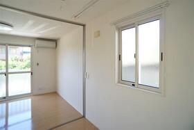 https://image.rentersnet.jp/ea135975-ddb1-425f-9892-d7c1eb84e1e9_property_picture_956_large.jpg_cap_居室