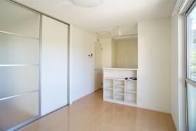 https://image.rentersnet.jp/ea2929f8-2d72-42a5-bf0a-0e57cbe3595b_property_picture_956_large.jpg_cap_居室