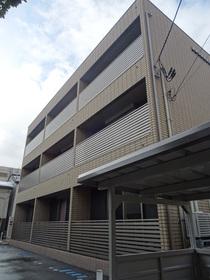 https://image.rentersnet.jp/ea8889e5-1e7c-4ebc-973f-1be0bdaf60ac_property_picture_2418_large.jpg_cap_外観