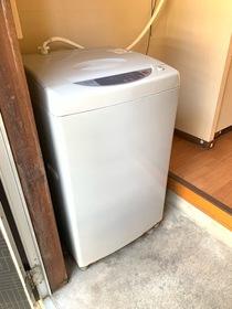 https://image.rentersnet.jp/ea8b0163-369b-4416-b780-9196865d13d2_property_picture_953_large.jpg_cap_洗濯機付き