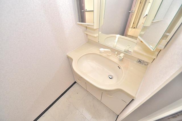 オルゴグラート長田 人気の独立洗面所はゆったりと余裕のある広さです。