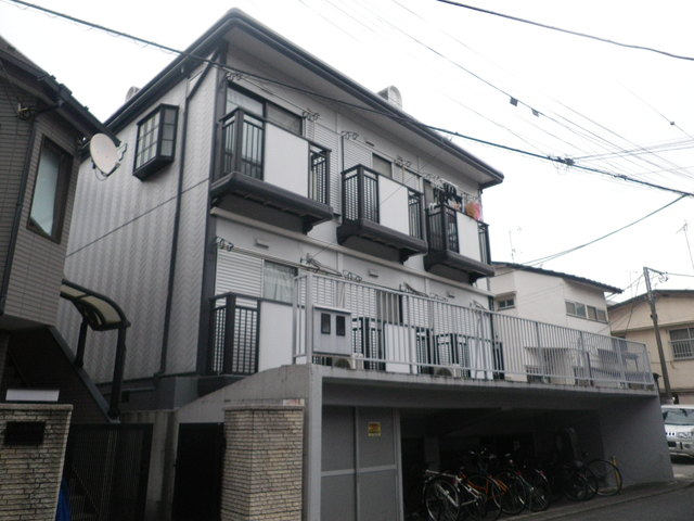 マコト本町ハイツの外観画像