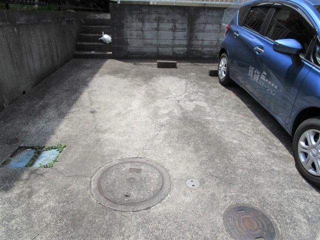 金井テラスハウスB棟駐車場
