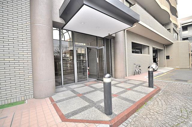 HACHIBUSE東大阪 高級感があるエントランスは安心のオートロック完備です。