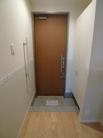 グリーンアベニュー�V 303号室