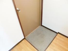 玄関はこんな感じです☆