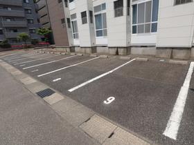 https://image.rentersnet.jp/ebe7e4b3-3052-483f-8220-c71f012d46a7_property_picture_955_large.jpg_cap_駐車場