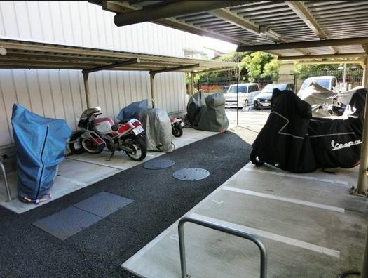 エスティメゾン大島駐車場