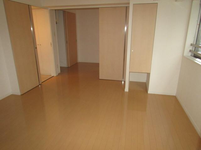 神田駅 徒歩3分居室