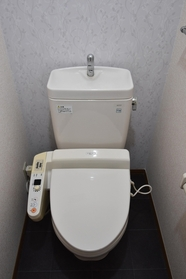https://image.rentersnet.jp/ec9c4232-bf0d-441c-9944-ac17bd3a4171_property_picture_9494_large.jpg_cap_トイレ